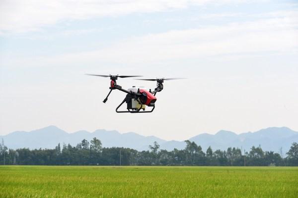 极飞科技首度将双旋翼结构的飞行平台V系列用于农业领域
