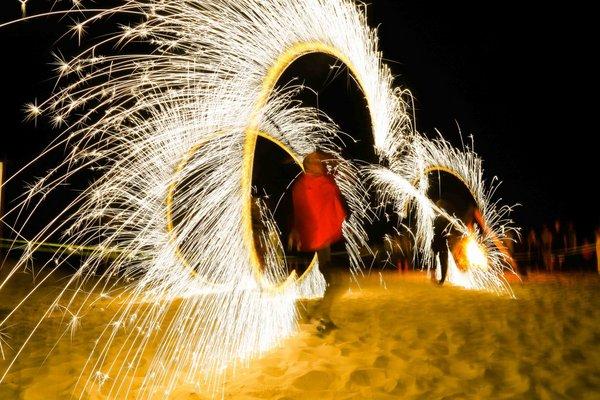 三亚美高梅度假酒店国庆中秋双节沙滩篝火派对